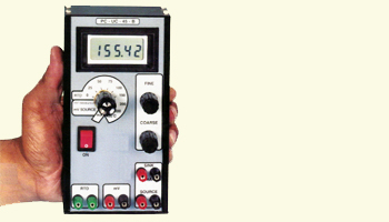 Battery operated Calibrator with indication PC-UC-45-B